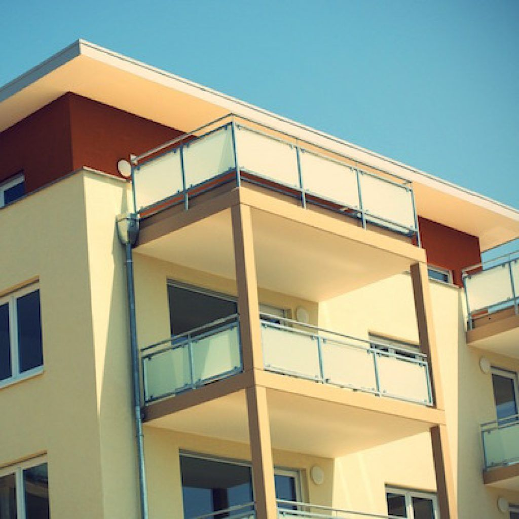 Modelo de documento de prórroga de contrato de alquiler de vivienda.